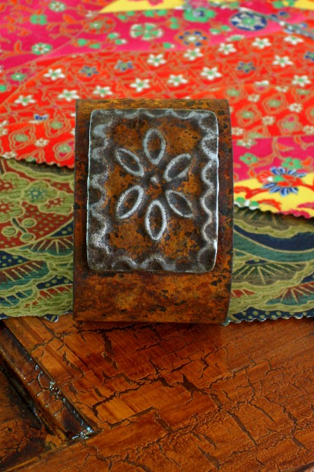 Square-Medallion-Ranch-Style-Cuff_0516a