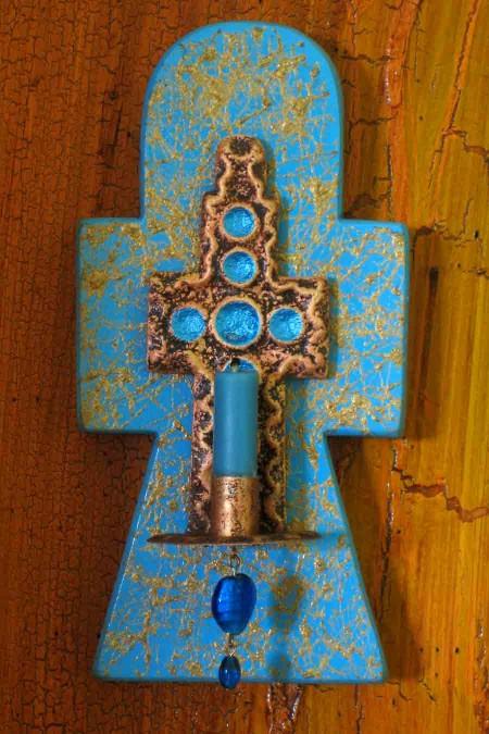 Gold Fiber Cut Wood Candle Cross